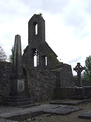 Carden baronets - Image: Obilisk and gravestones of the Big Church in Templemore