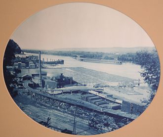 Marquette, Iowa - Pontoon bridge near Marquette, 1885