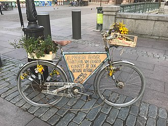 """Greta Thunberg - Greta Thunberg's bicycle in Stockholm on 11 September 2018: """"The climate crisis must be treated as a crisis! The climate is the most important election issue!"""""""