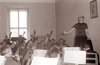 Jews in Bosnia and Herzegovina - Oskar Danon during practice with the Maribor Symphony Orchestra in 1961