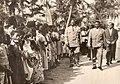 Pääministeri Hubert Maga saapuu Grand-Popoon.jpg