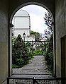 P1270443 Paris XVIII entree jardin des Abbesses rwk.jpg