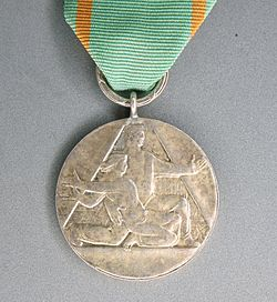 POL Medal for Sacrifice and Courage 02.JPG
