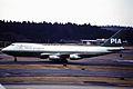 Pakistan International Airlines Boeing 747-240B Combi (AP-BAK 383 21825)AP-BAK (8085865792).jpg