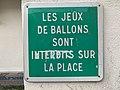 Panneau Jeux Ballons Interdits Place Village Fontenay Bois 1.jpg