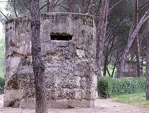 Бункеры в парке мадрида оставшиеся с