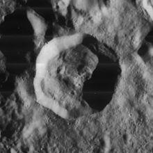 佩蒂特陨石坑