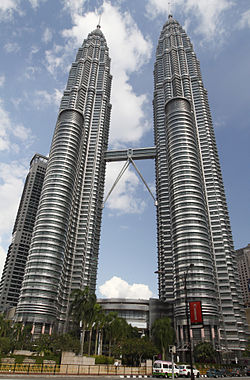 Petronas Twin Towers, 2010