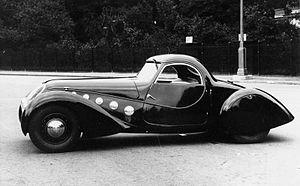 Peugeot 402 - Various low volume coupé versions included the Peugeot 402 Darl'Mat, unmistakably reminiscent of a body produced by the same coachbuilder (Carrosserie Pourtout) for Bugatti.