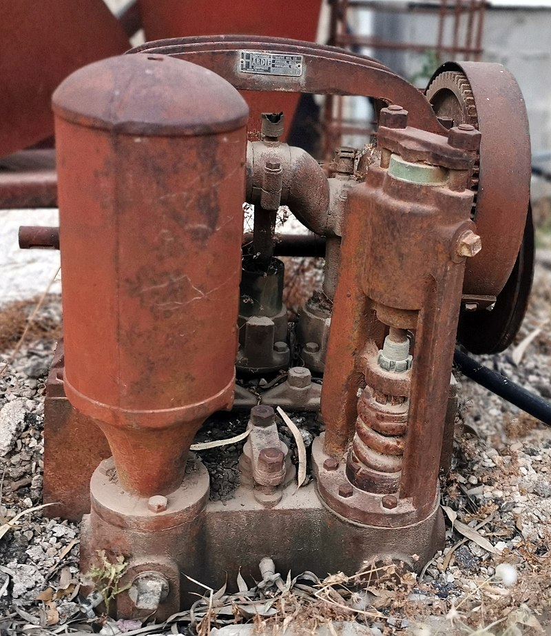 מנוע ישן בקיבוץ חולדה