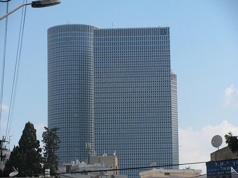 תל-אביב צומחת לגובה