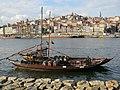 Porto, boat w barrels (8514435246).jpg