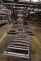 Produktie bij Ford Amsterdam gestopt lege fabriekshal met in het midden de lope, Bestanddeelnr 253-8631.jpg