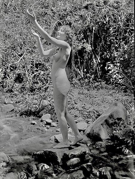 File:Purity-scenefromthefilm-1916.jpg