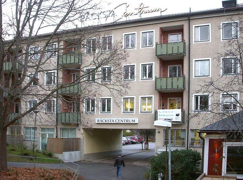 Råcksta Centrum 2012.jpg