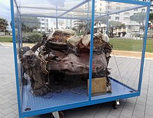 Resti dell'automobile della scorta di Giovanni Falcone