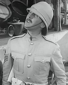 Robert Coote in Gunga Din trailer.jpg