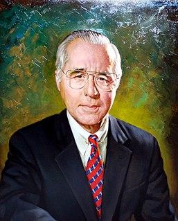 Robert T. McCowan American businessman (1928 - 2003)