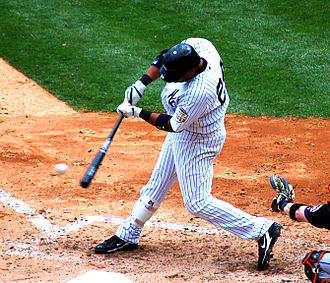 Robinson Canó - Canó batting for the Yankees in 2008.