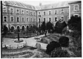 Séminaire de Mongazon - Centre d'internement pour les civils - la cour - Angers - Médiathèque de l'architecture et du patrimoine - APD0001283.jpg