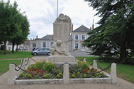 Saint-Ay monument aux morts 1.jpg