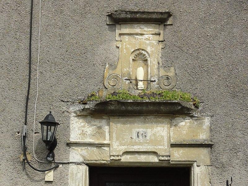 Saint-Boingt (M-et-M) dessus de porte maison