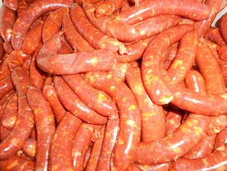 Cuisine of the province of Valladolid - Red and white sausages from Zaratán.