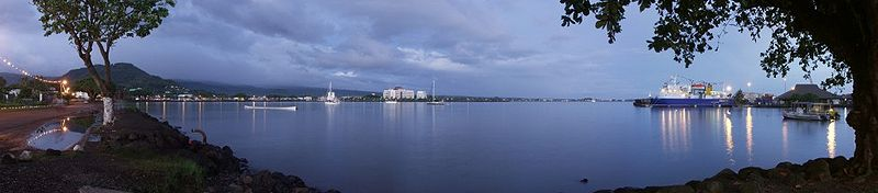 Samoa - Apia Harbour at dawn.jpg