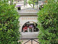 Sarah Bernhardt grave.jpg