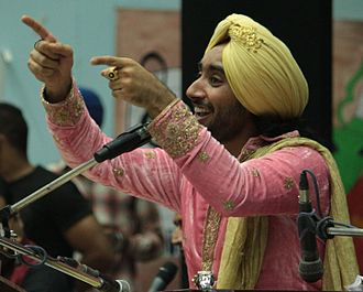 Satinder Sartaaj - Satinder Sartaaj at Punjabi University in 2016