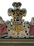 Schloss Altenburg Triumphbogen Wappen.jpg