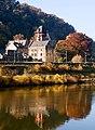Schloss Liebieg, Blick von der anderen Moselseite.jpg