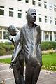 Sculpture Die Begegnung Waldemar Otto Hildesheimer Strasse Hanover Germany 02.jpg