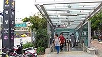 Seoul-metro-551-Myeongil-station-entrance-4-20180914-122700.jpg