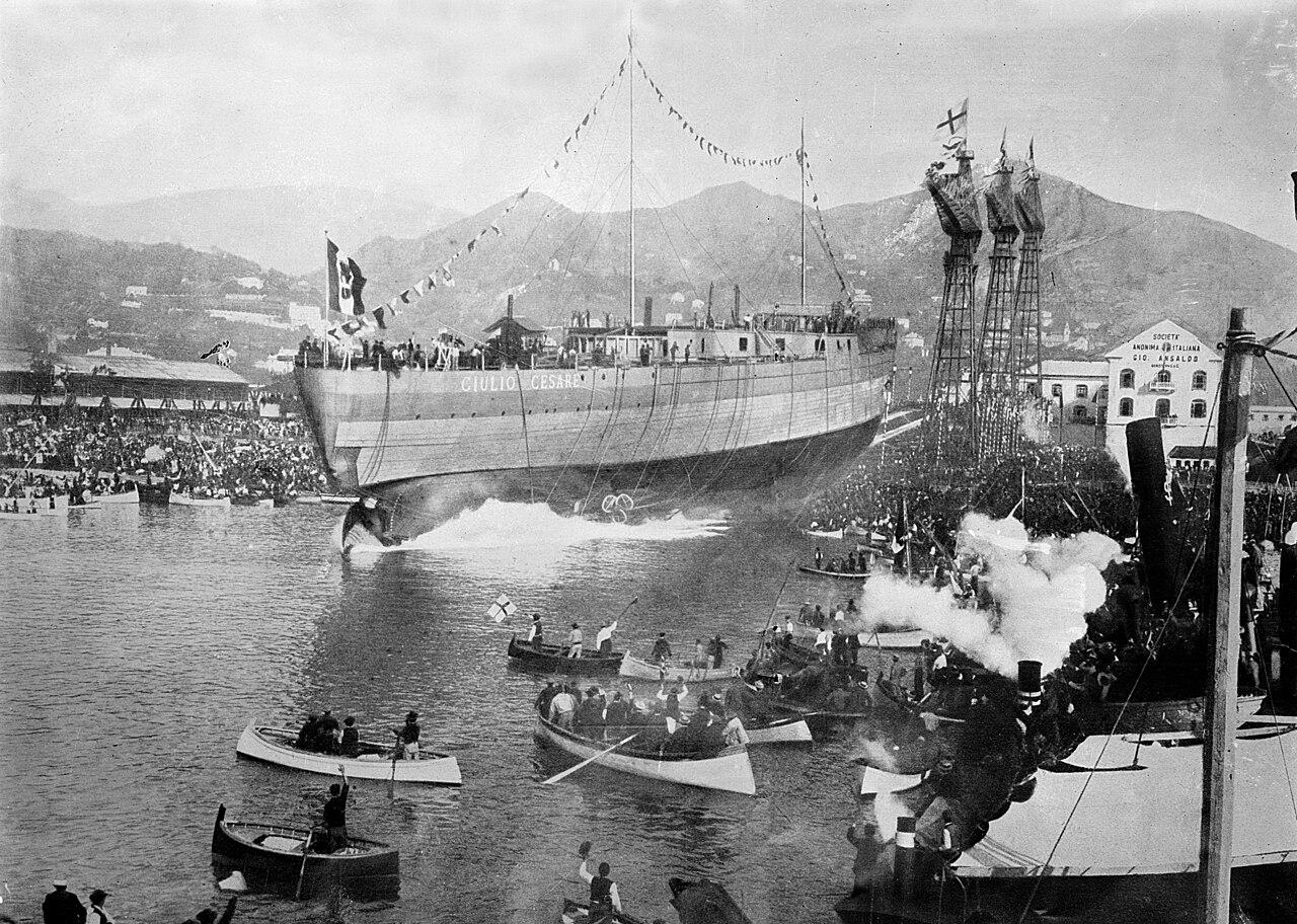 """Wodowanie pancernika """"Giulio Cesare"""" - 15 października 1911"""