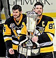 Sidney Crosby and Chris Kunitz with Prince of Wales Trophy 2017-05-25 1.jpg