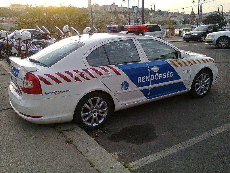 File:Skoda police car HU.jpg