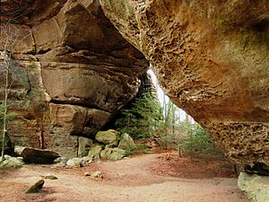 Big South Fork National River and Recreation Area - Image: South twin arch bsf tn 1