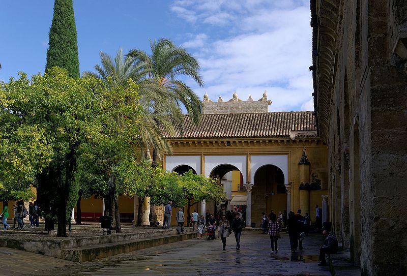 Власти Андалусии предлагает бесплатную страховку от коронавируса, чтобы вернуть отдыхающих