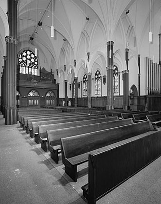 Cathedral of Saint Francis de Sales (Oakland, California) - The nave looking toward the gallery.