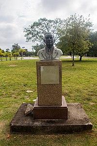 Statue of Ernesto de Souza Campos, USP 2017 2.jpg