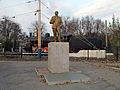 Statue of Lenin near the Melitopol Station (Zaporizhia Oblast, Ukraine).JPG