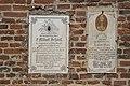 Steinkirchen (Oberbayern) Johannes Baptist und Johannes Evangelist Grabsteine 201.jpg