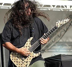 Stephen Carpenter in concerto con i Deftones nel 2009