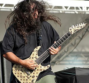 Stephen Carpenter - Carpenter performing with Deftones in November 2009.