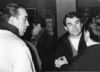 Robert Hossein - Hossein with Anthony Quinn in Belgrade in 1969.