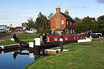 File:Stoke Lock - geograph.org.uk - 60441.jpg