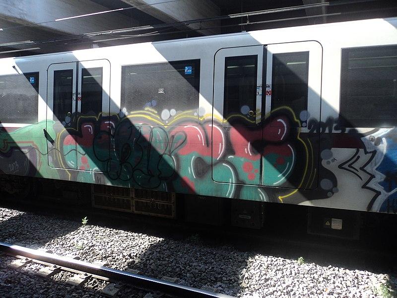 File:Subway graffiti in Rome 13.JPG