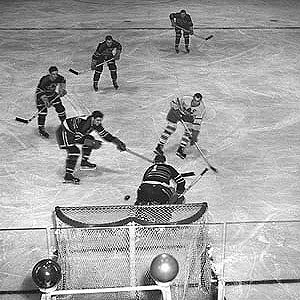 Syl Apps - Syl Apps, against all five Chicago Black Hawks players