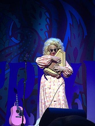Autoharp - Trixie Mattel playing her autoharp